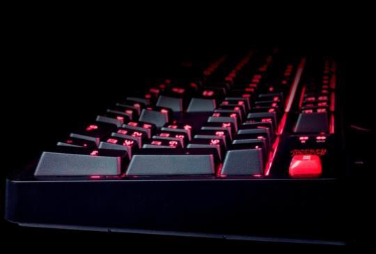 【CES17】曜越電競發表拓荒者MEKA PROCHERRY青/茶/紅軸機械式電競鍵盤