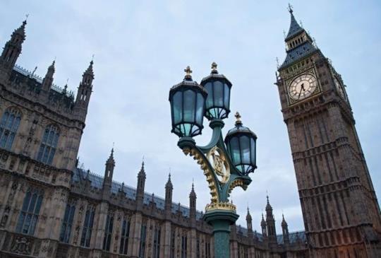 當你看著倫敦最著名的地標時,你有想過它也老了嗎?