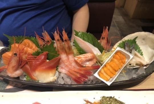 拋下旅遊書吃香港-新鮮刺生歐依細好享受