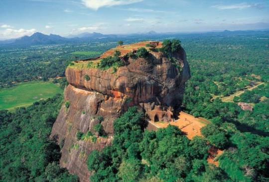 【斯里蘭卡】獅子岩(Sigiriya)上的空中宮殿(上)