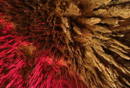 【沖繩】南部必玩景點!神秘的鐘乳石迷宮-玉泉洞+琉球文化饗宴-國王村