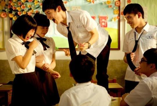 暢銷作家藤井樹首次執導,改編同名小說《六弄咖啡館》