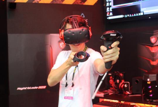 Computex 展競搶 VR 商機,華碩、微星各推高階桌機筆電