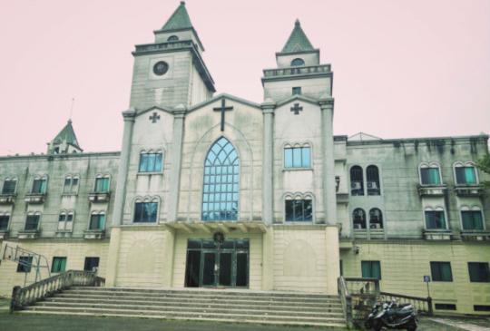 【玉井】隱居山林有漂流木方舟教堂,還有著幸福氛圍的白色教堂