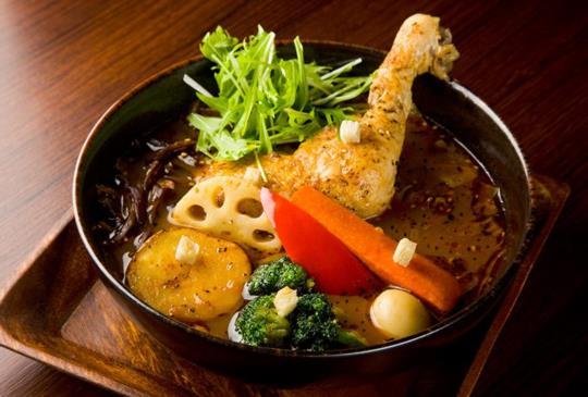 北海道排隊名店【可以喝的GARAKU湯咖哩】就在一幻拉麵旁