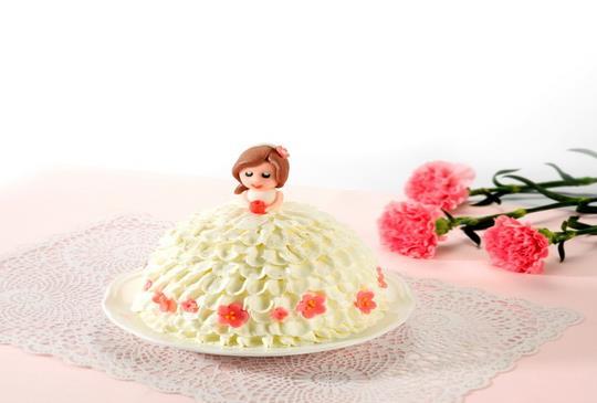 【母親節用亞尼克的立體翻糖「公主媽媽」蛋糕寵愛媽咪】