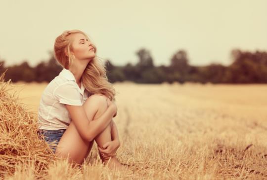 【後來你才發現,自己喜歡上了不合適的人,所以才總是沒人幫你擦眼淚。】