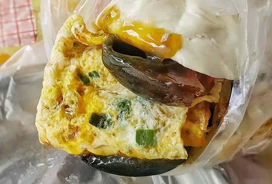 【皮蛋蛋餅、仙草豆漿,你一定沒吃過的板橋創意早餐】