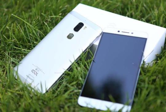 樂視攜手酷派,聯合推出的首款「生態手機」cool1 dual