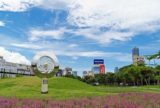 探索城市美學,徜徉於自然間【中央公園、城市光廊】