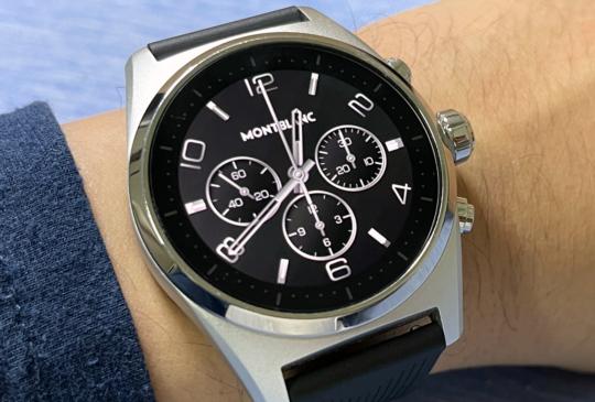 高質感精品,Montblanc 萬寶龍 Summit Lite 灰鋁橡膠智慧腕表開箱試玩