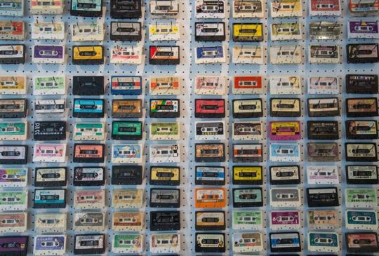 【感傷唱片行 音樂串起回憶 只販賣卡帶與卡帶機的唱片行】