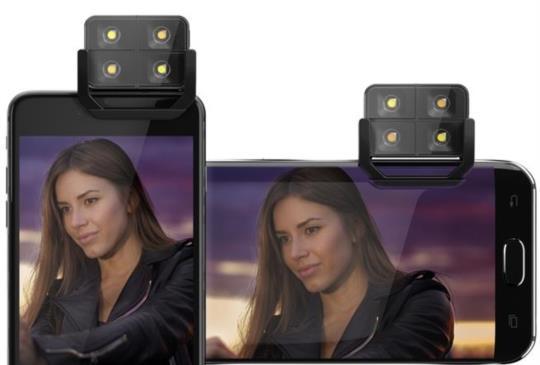 嫌手機閃光燈不夠力或色溫不準確?讓 iblazr 2 為你點亮視界吧!