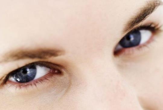 【眼睛好累 眼球運動+穴位按摩改善不適】