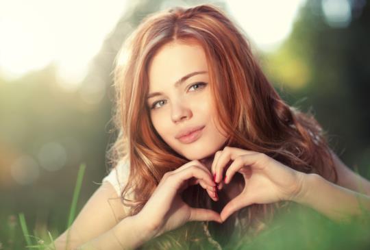 【愛自己是一場終生戀情的開始:只有當你足夠愛自己,你才有能力去愛別人!】