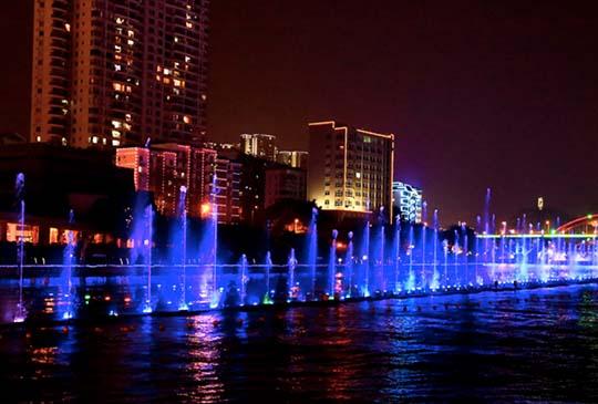 夜遊柳州百里柳江,一覽如夢似幻的山水夜色