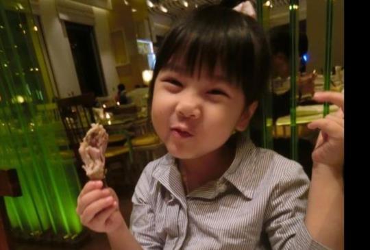 如何讓小孩出門用餐時不暴走、媽媽優雅吃飯?