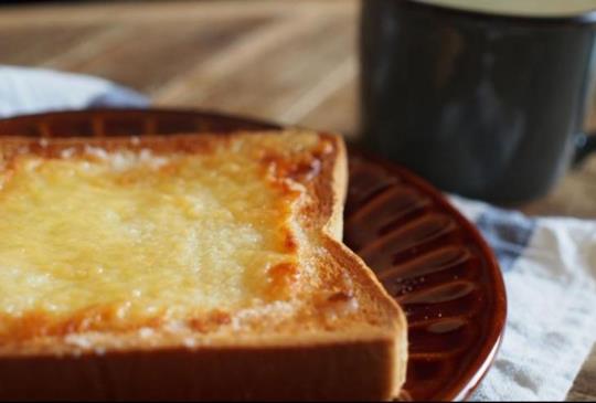 【超簡單!平民好滋味!日本爆紅早餐「惡魔吐司」3分鐘搞定。】