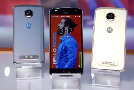 全新 Moto Z2 Play 搭載 Moto Mods 模組化設計,手機功能不設限