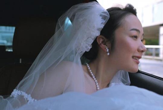 【女孩長大之後怎麼辦,岩井俊二用《被遺忘的新娘》告訴你】