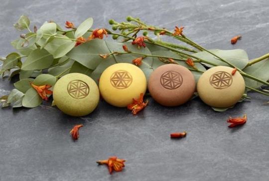 【「小茶圓」新式月餅×繁花似錦限定禮盒,傳遞最真誠的祝福】