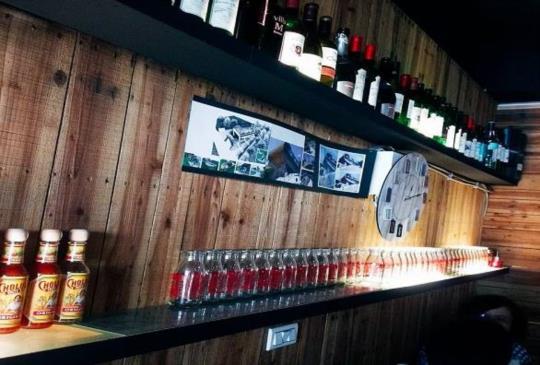置身小酒館中的韓式鐵板吐司-GO STOP韓式鐵板吐司