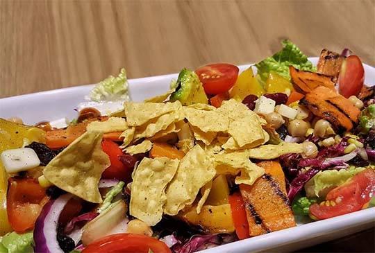 【隱身在東區小巷內的義大利生活,享受奢華的蔬食料理】