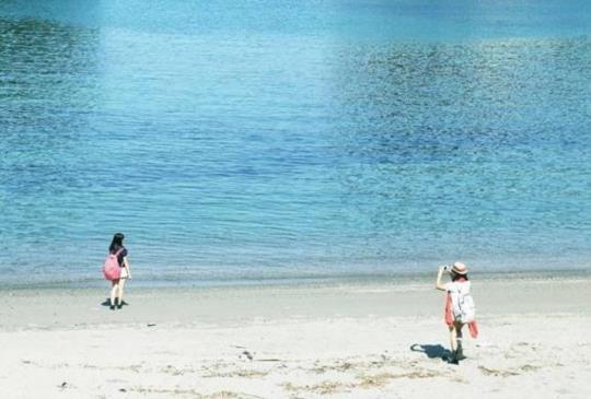 【自然生成的藝術!觀賞藍色洞窟和奇岩<台灣留學生的日本旅遊記⑤>】