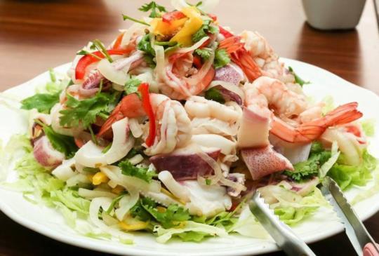 【不用飛出國,再台灣也能吃到道地的BOBO的泰式風味菜】