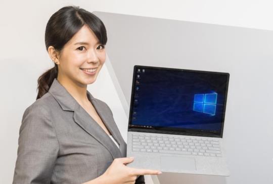平滑、輕薄機身的微軟 Surface Laptop  筆電在台上市