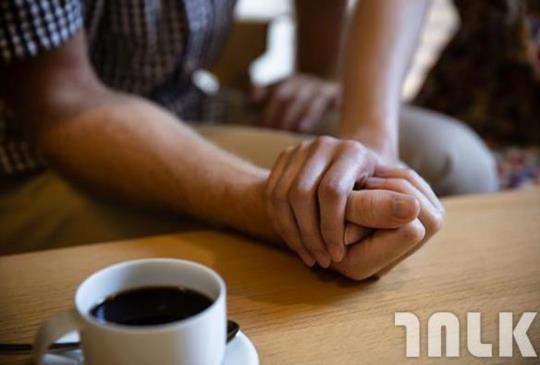 是因為珍惜,所以才擁有了幸福!最好的愛,並不是許多浪漫,而是兩個人踏實安定的生活