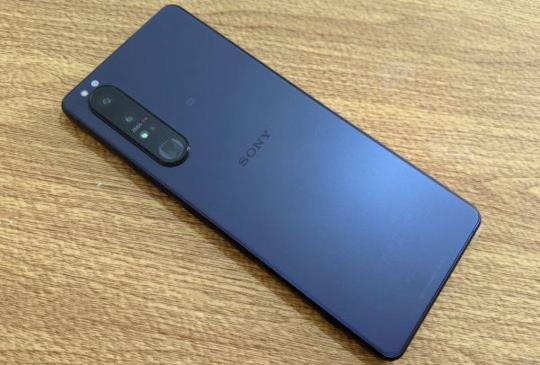 2021 Sony 首款旗艦效能秀一波 大師級手機 Xperia 1 III 開箱動手拍