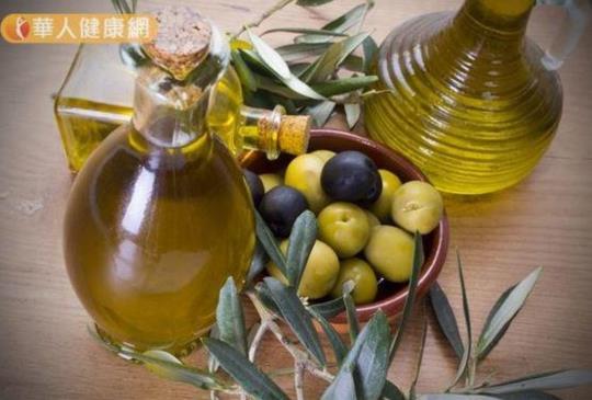 椰子油能抗皺?橄欖油潤膚效果好?