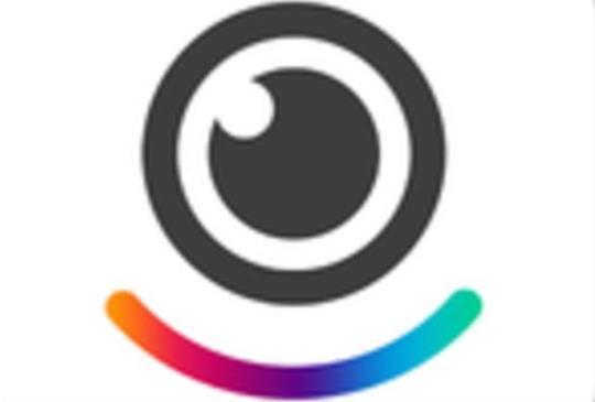 社群影音程式「LINE Moments」,即時產製趣味影片分享生活