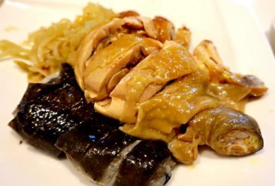 【名人最愛 融合經典台菜與雞料理的40年台菜老店「雞家莊」】