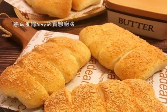 紅極一時的星巴克咖啡熱銷麵包款~ 帕瑪森起士乳酪麵包