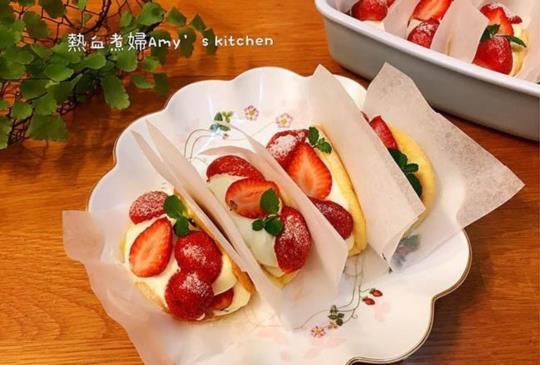 韓國話題甜點~LE BREAD LAB 草莓鮮奶油捲