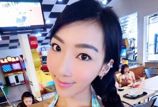 藝人李宓在台北開桌遊店與粉絲同樂