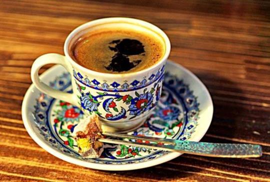 用細砂煮銅壺咖啡,難得一見的道地土耳其咖啡!