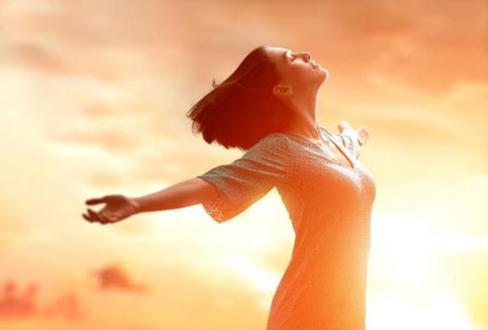【張曼娟:你所擁有的只是此刻,要活在當下,因為每一個時刻都是稍縱即逝的啊。】
