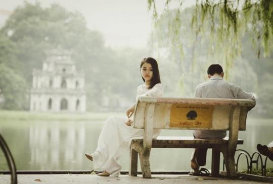 【呂秋遠:他只是不小心的撩你,你當真了,他想逃了】感情沒有遲到早到,只有會到與不到