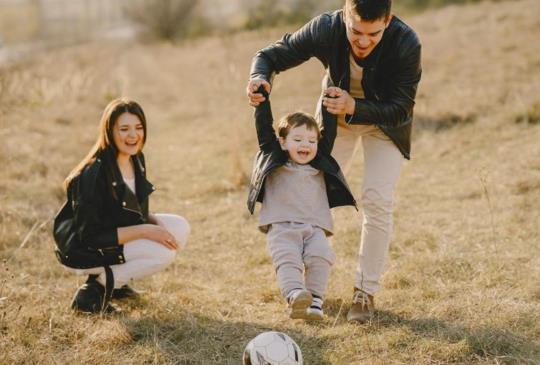 【呂秋遠:所謂家,不是有一個爸爸、一個媽媽,幾個小孩,就叫做健全】
