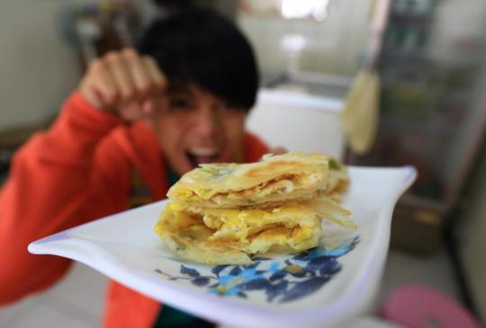 [台中美食]想吃就要快~有力酥皮蛋餅