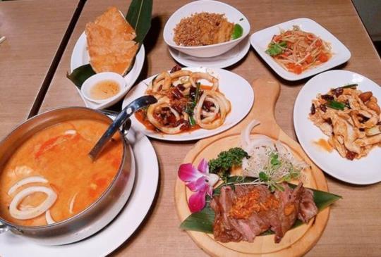 不用出國也能吃到道地泰式料理─Lacuz泰式吃到飽餐廳