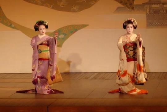 【京都藝妓傳承300年的服務智慧:留意「隔牆有耳,隔籬有眼」】