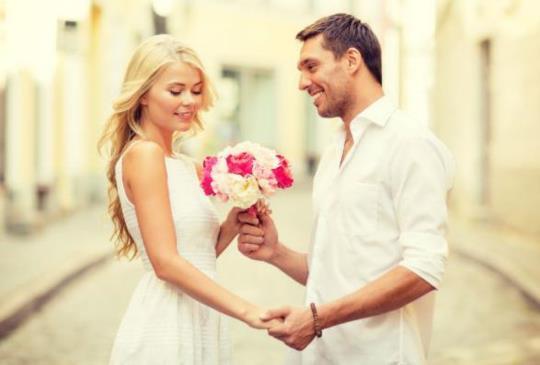 【男女大不同:愛情中男人愛當第一,女人想當唯一! 】
