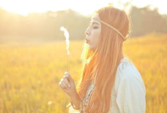 【分手後,別再為他心痛;離開了不合適的人,真愛才會走向妳】