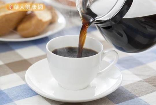 【喝咖啡超過這時間,會偷走你的睡眠!5秘訣助眠】