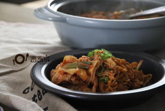 【微辣韓式豬肉大醬湯】材料不多但營養滿分、簡單在家作一道每天都會想喝的湯(還有好多韓食系列食譜連載)