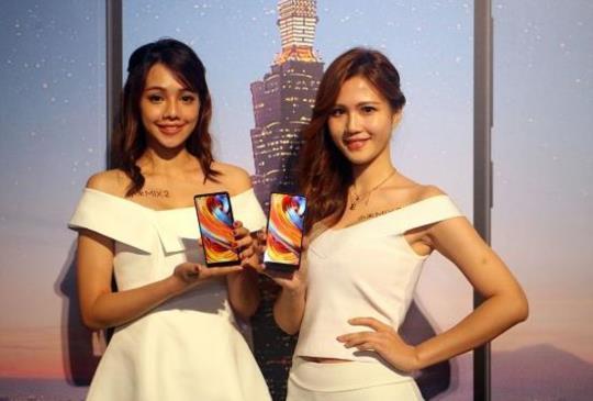 高佔屏比小米 MIX 2 台灣下週開賣,售價 14,999 元起